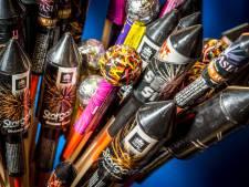 Man met 2600 kilo vuurwerk in bus hoort 20 maanden cel eisen