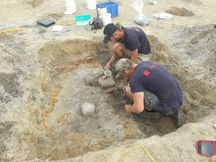 Archeologen onderzoeken de bodem in Udenhout.