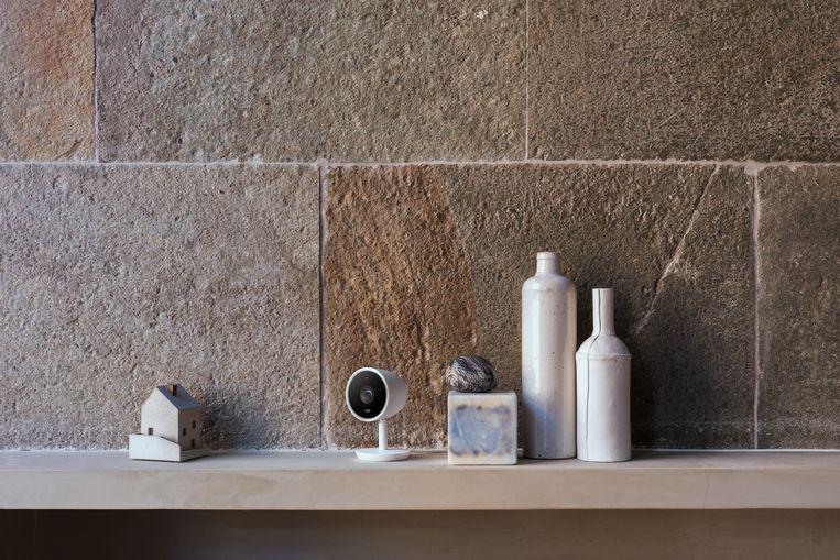 Moderne IP-camera's, zoals de Nest Cam IQ, gaan zo op in je interieur.