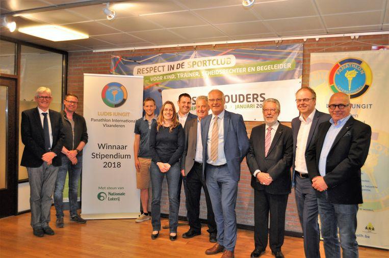 Het gemeentebestuur van Sint-Pieters-Leeuw won één van de prijzen van de Panathlon Stipendium