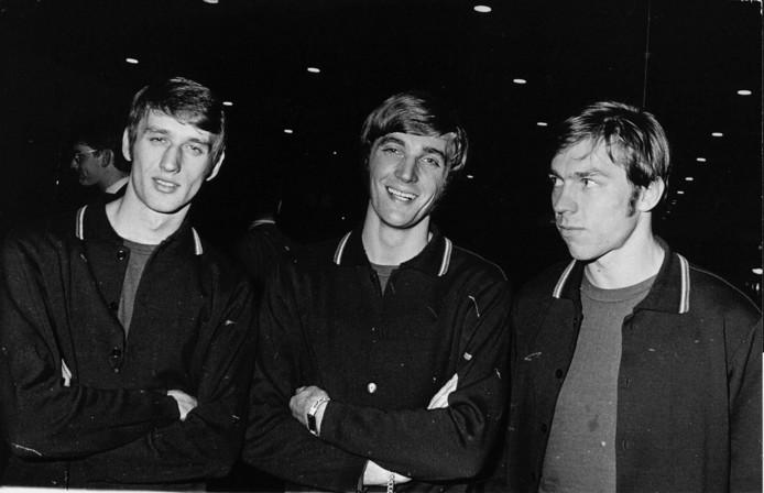 1969: Rob Rensenbrink met Jan Mulder (rechts) en Ruud Krol (midden) bij Oranje.