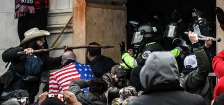 """Le FBI avait mis en garde que des extrémistes se préparaient à la """"guerre"""", des centaines d'inculpations envisagées"""