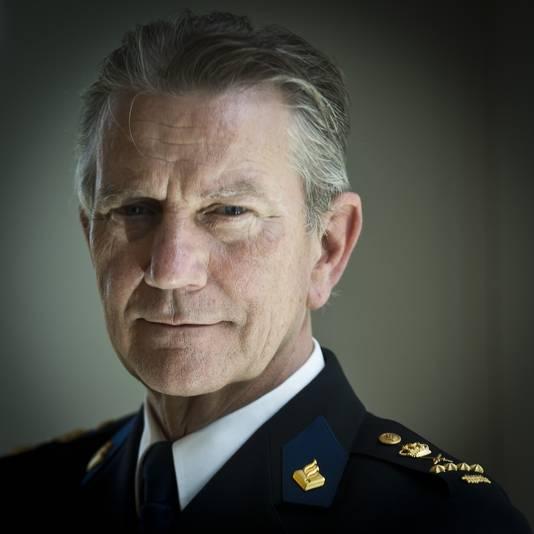 Sint Maarten beticht korpschef Gerard Bouman ervan zich tijdens een bezoek aan Sint Maarten 'ongepast en onbeschoft' te hebben gedragen.