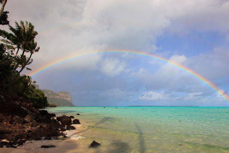 Maupiti is één van de meest westelijk gelegen eilanden van de Genootschapseilanden, Frans-Polynesië. Er wonen ongeveer 1.000 mensen. Het vulkanische eiland is ongeveer 13 vierkante kilometer groot.