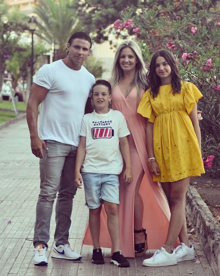 Eveline Hoste met haar partner en kinderen - gezin - My gang #grateful #love