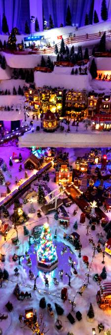 Antoon Haazen uit Gemert bouwt ieder jaar groot kerstdorp: 'Hoe meer lempkes hoe liever'