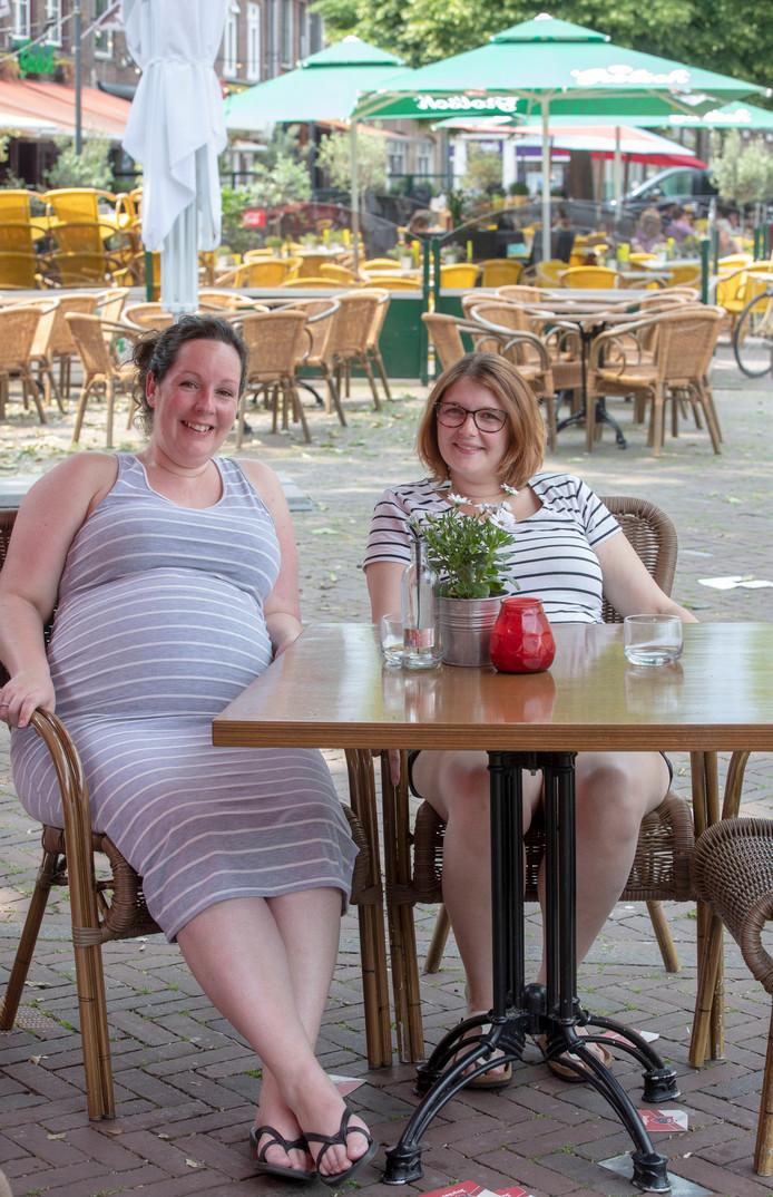 Charissa Mauritz (links) en Lisanne Hollemans