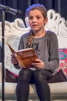 Dit meisje kan heel goed voorlezen en mag naar de nationale finale