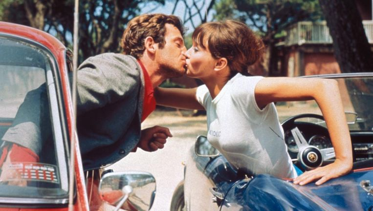 Jean-Paul Belmondo en Anna Karina in 'Pierrot le fou' Beeld
