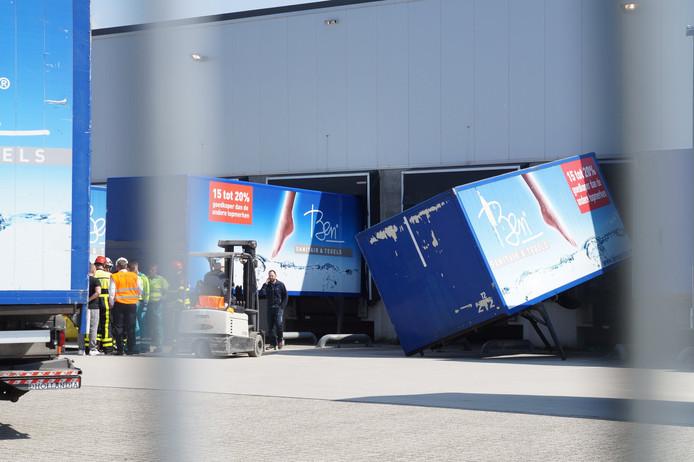 Gewonde bij omgevallen container in Waalwijk