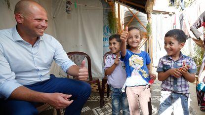 Francken voorziet dan toch opvang voor vrouwen en kinderen in Maximiliaanpark