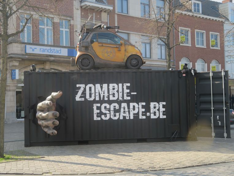 De Pop-Up Zombie Escape Room van Production Pirates op de Grote Markt van Herentals.