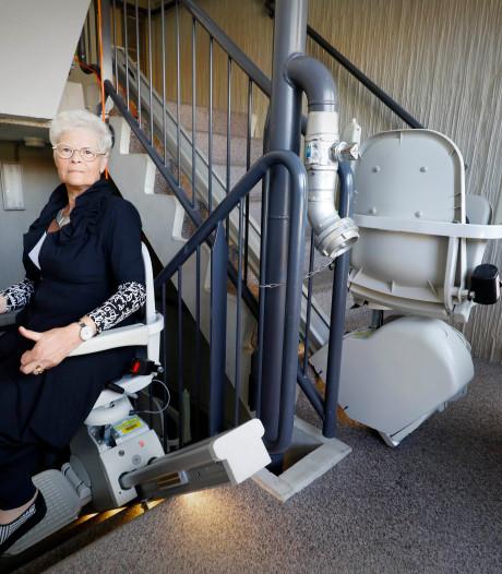 Oudere bewoners zijn blij met de stoeltjeslift, maar ze mokken ook