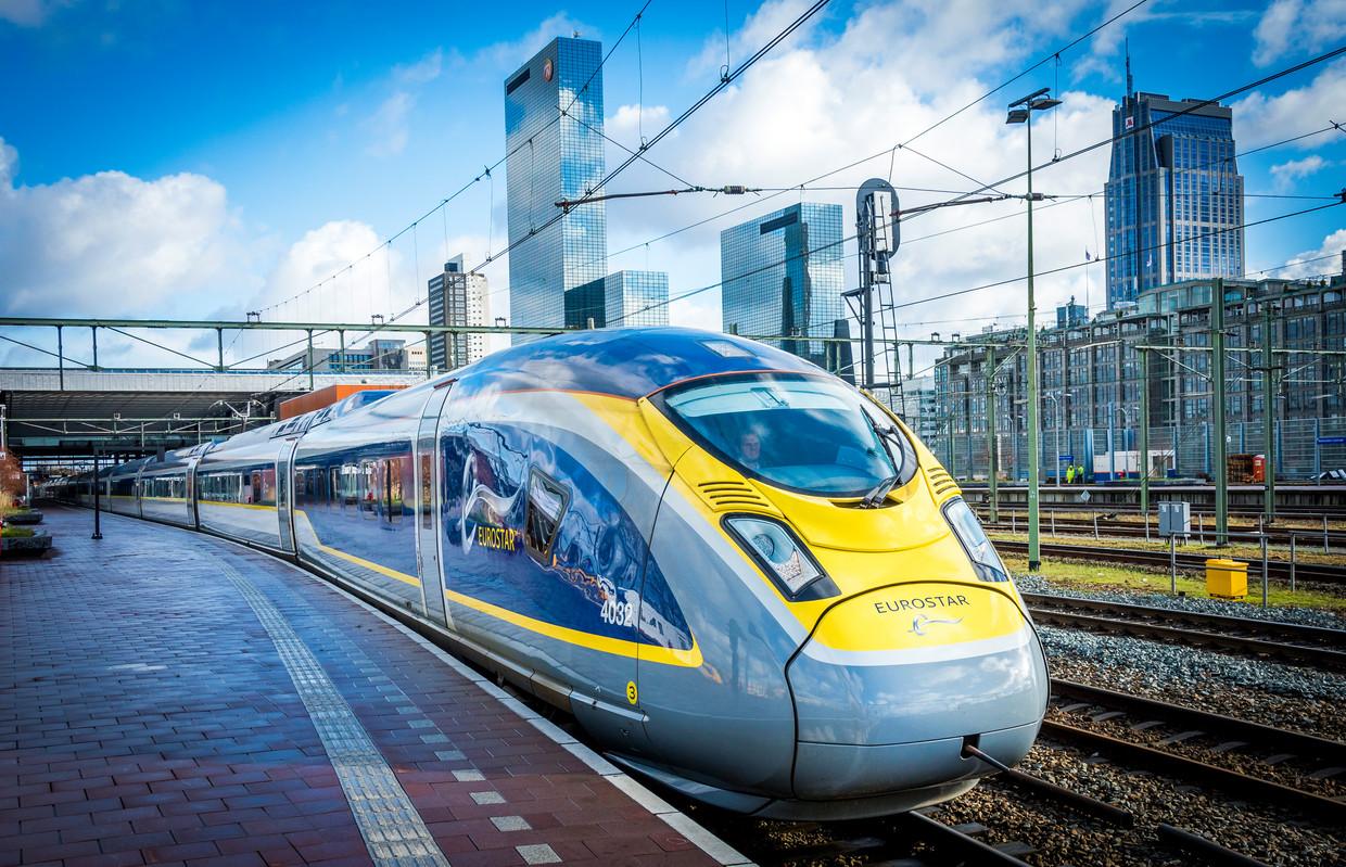 Een trein van Siemens, de Eurostar, tijdens een testrit op weg van Amsterdam naar Londen. Beeld ANP