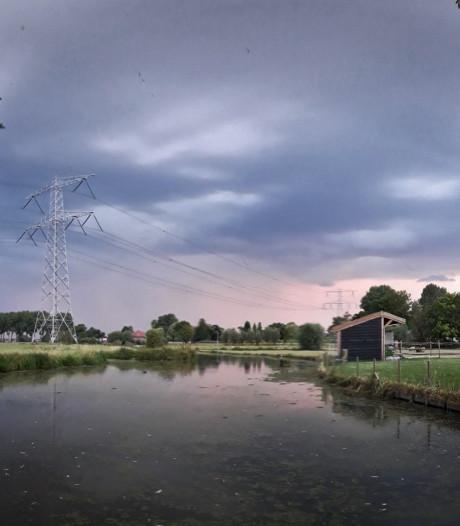 Dreigende onweerslucht boven Groene Hart levert mooie beelden op