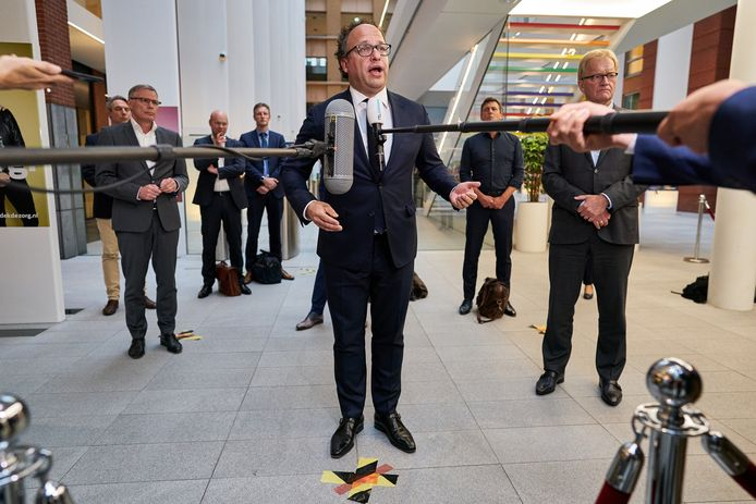 Minister Wouter Koolmees van Sociale Zaken en Werkgelegenheid (D66) in het ministerie van Sociale Zaken en Werkgelegenheid.