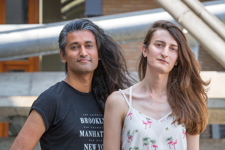Isjed Hussain en Inaya Zarakhel: 'De mensen in Pakistan zeggen we dat we kinderen van de goden zijn'.