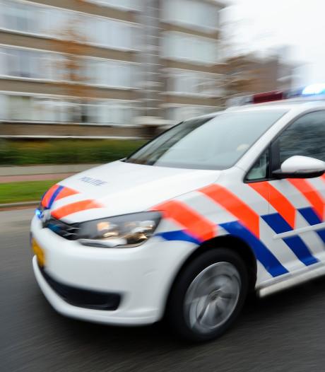 Politie houdt 38-jarige drugsdealer en vier van zijn 'klanten' aan