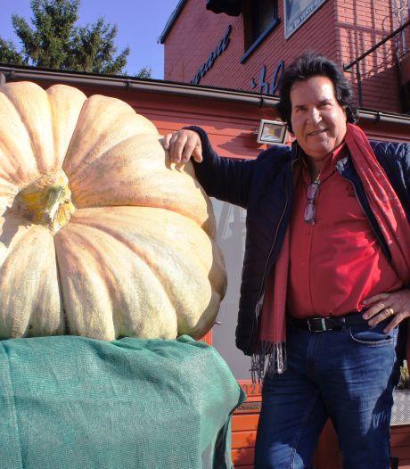 Dany Danubio, le chanteur au grand coeur, et son potiron de 545 kilos