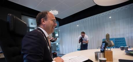 Burgemeester Montferland uit grote zorgen over corona-piek: 'Minder waarschuwen, eerder beboeten'