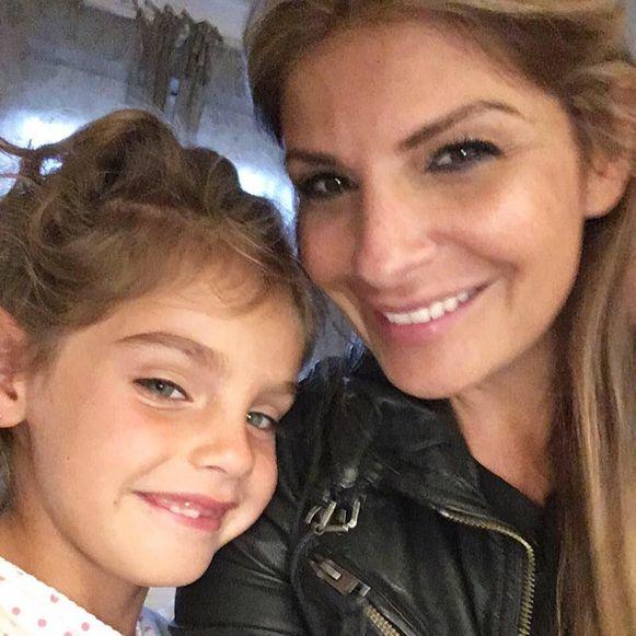 Ellie was samen met haar vierjarige dochter naar Dubai gereisd.