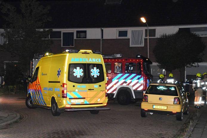 De ambulance en brandweer werden opgeroepen voor een viertal dat te veel koolmonoxide ingeademd had.
