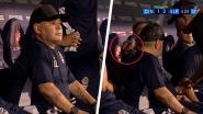 """Beelden van Maradona tijdens match doen flink de wenkbrauwen fronsen: """"Wat krijgt hij hier?"""""""