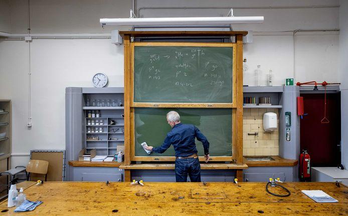 De pensioenen van onder meer leraren gaan niet omlaag.