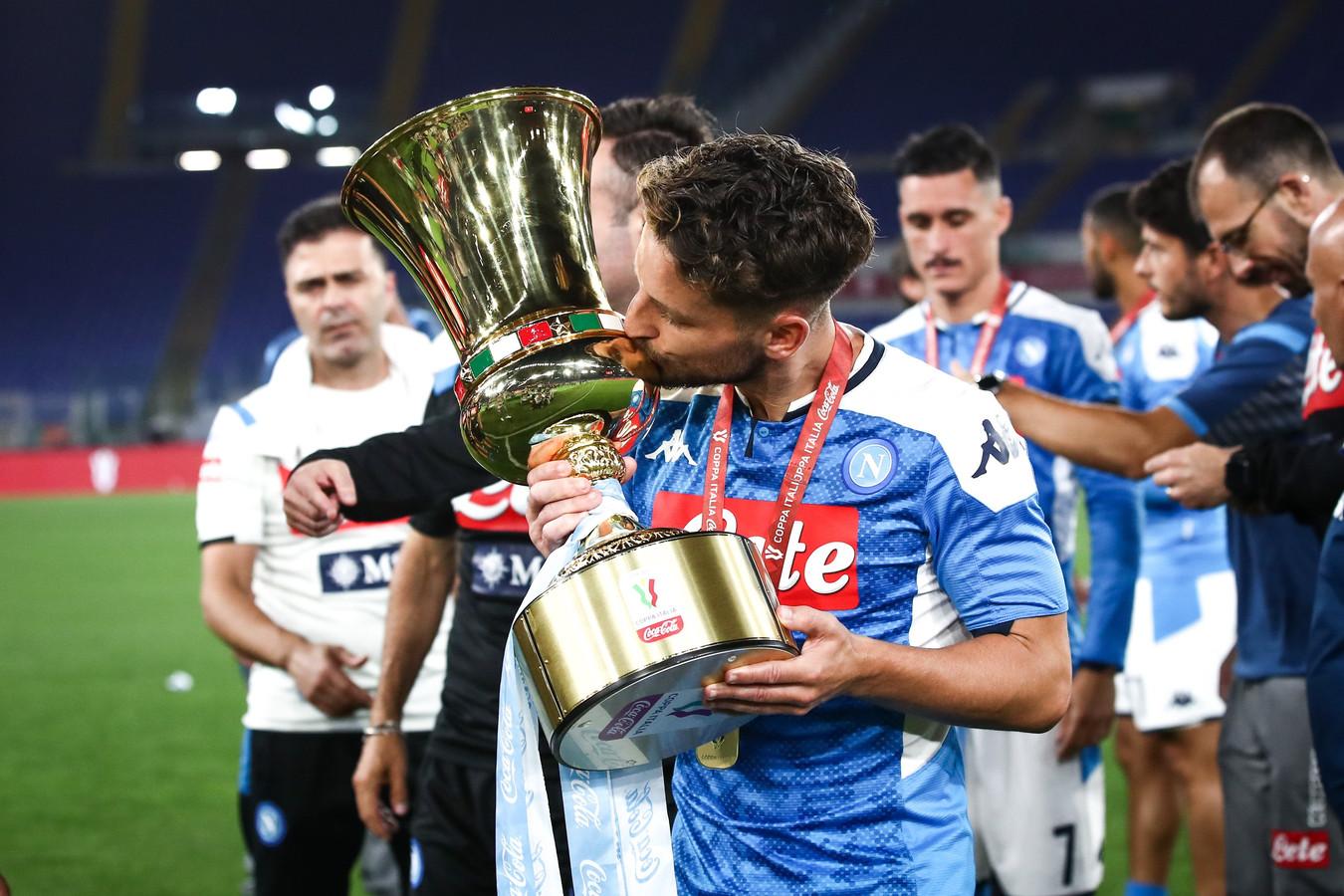A peine prolongé, déjà sacré: Dries Mertens a soulevé sa deuxième Coupe d'Italie mercredi soir.
