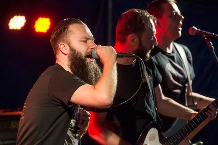 Festival Breda Barst in het valkenberg. Optreden punkrockers Note to Amy.