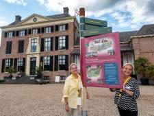KLM'ers werken als vrijwilliger aan de receptie van kasteel Rosendael