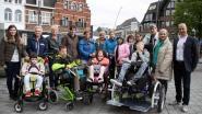 MPI Oosterlo krijgt rolstoelfiets van stadsbestuur