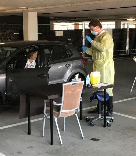 Coronatestlocatie bij Nootdorp uitgebreid: Per dag kunnen hier maximaal 900 mensen terecht
