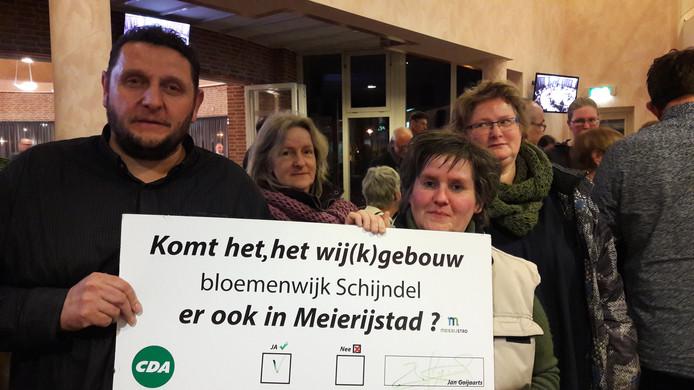 Bewoners van de Bloemenwijk in Schijndel voerden eerder actie voor een nieuw wijkgebouw. Zij wachten hier nog altijd op.