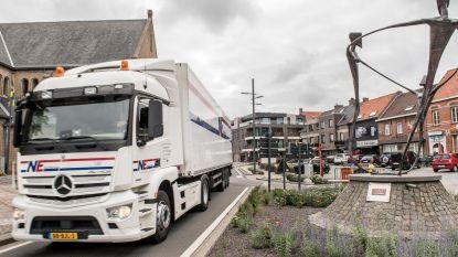 Trucks denderen nog altijd door centrum