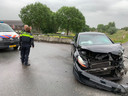 Bij een achtervolging raakte tussen de Sonsbrug en de Diefdijk bij Schoonrewoerd een auto zwaar beschadigd.
