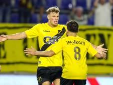 Gulzige Van Hooijdonk wacht gesprek met NAC af na heldenrol: 'Ik zal altijd doelpunten maken'