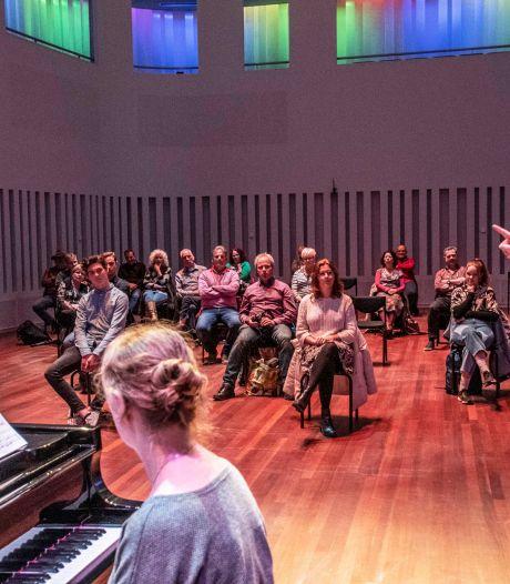 Prijs voor talentvolle Anne: zangles van operazangeres  Francis van Broekhuizen