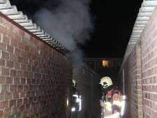 Mogelijk asbest vrijgekomen bij schuurbrand in Buren