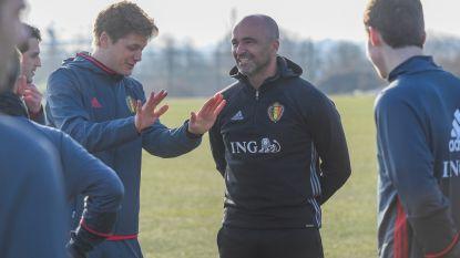 """Martínez steunt de Special Devils in Tubeke, maar praat ook over zijn toekomst: """"Er is nog geen gesprek geweest over een contractverlenging"""""""