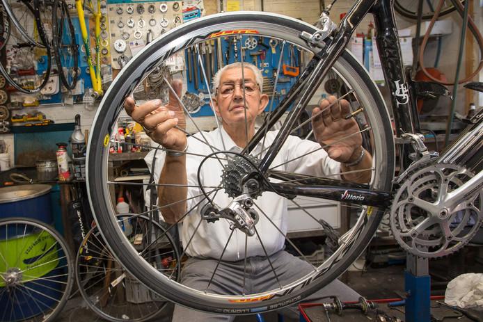 Jaap Huissoon ontwikkelde zichzelf tot een succesvol fietsfabrikant.