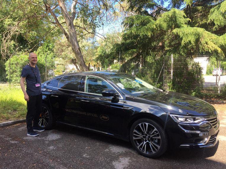 Een grote zwarte Renault met privéchauffeur: ook dat is Cannes Beeld Jan Pieter Ekker