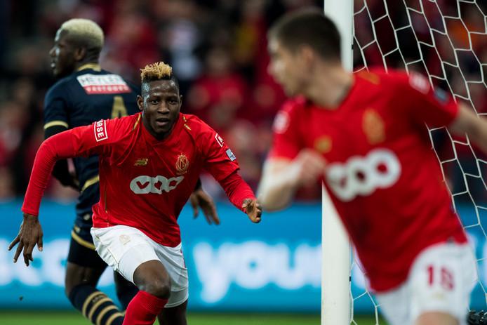 Après Razvan Marin, Moussa Djenepo va quitter le Standard