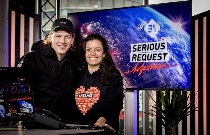 3FM dj's Sander en Eva voor aanvang van de 3FM Serious Request actie van 2018