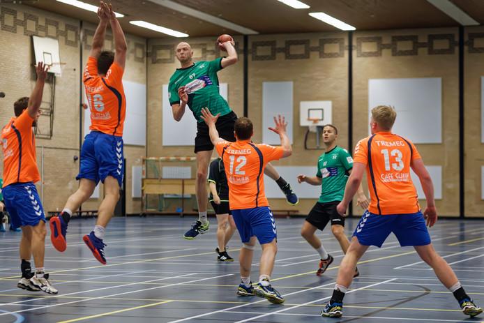 Handbalvereniging Groene Ster zit nu nog in De Borgh, maar wil graag een eigen hal.