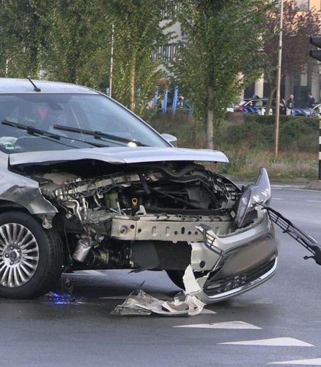 Verkeersoverlast en veel schade door ongeval Doetinchem