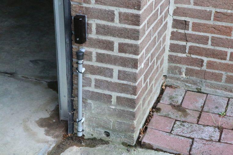 Deze sensor geeft aan wanneer het water stijgt en opent de poort.