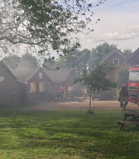 220 varkens omgekomen bij grote brand in stal in Milheeze