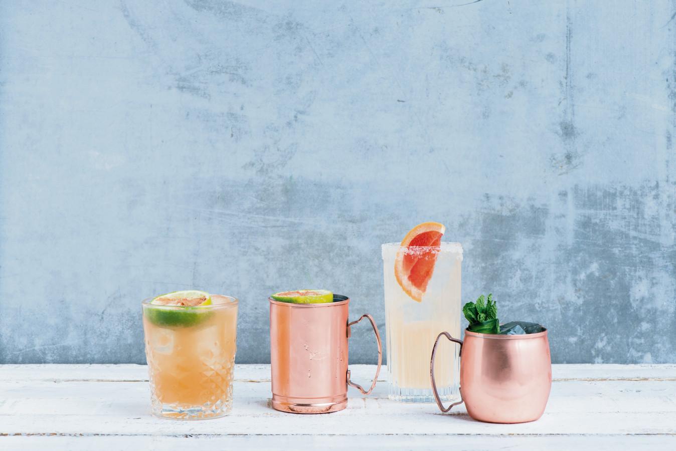 Verschillende glazen zijn geschikt voor cocktails.