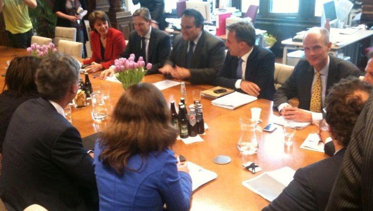 Minister Jan Kees de Jager in de D66-fractiekamer voor overleg over het akkoord. Beeld Jan Hoedeman